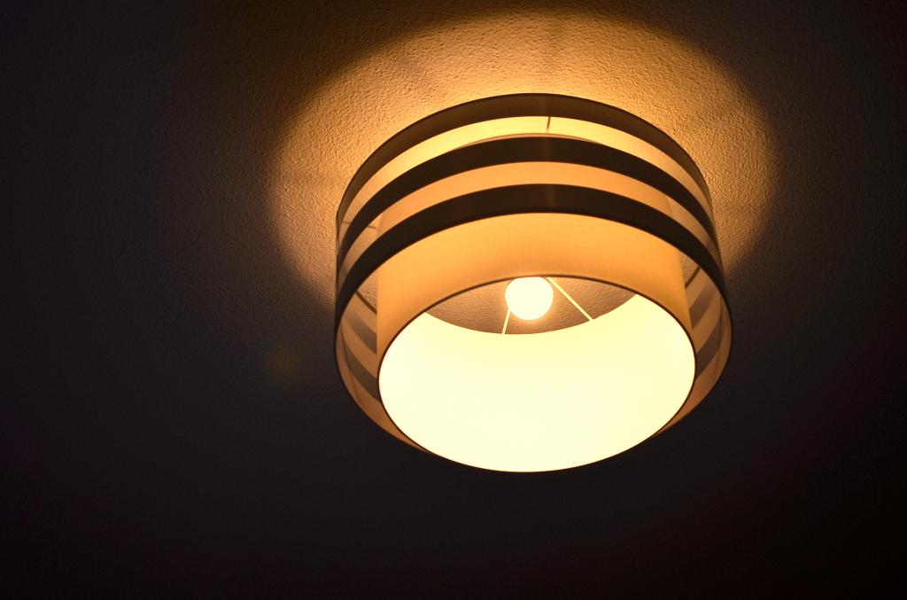 Philips Lampen Armaturen : Dimbare led lamp met sfeer: philips dimtone u2013 energiepionier